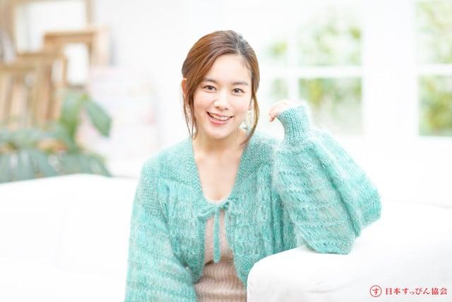 絶対的オーラを放つ美肌の秘訣は「小さな努力の積み重ね」 - 筧美和子
