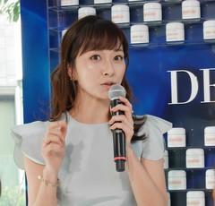 「朝1.5、夜1」のクリームが美肌の秘けつ。美容家・石井美保さんがドゥ・ラ・メールのイベントに登場!